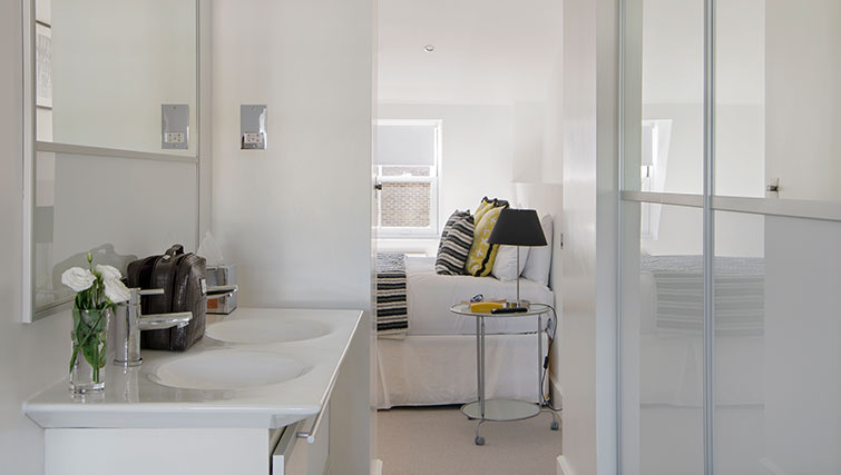 Bathroom at Nevern - Citybase Apartments