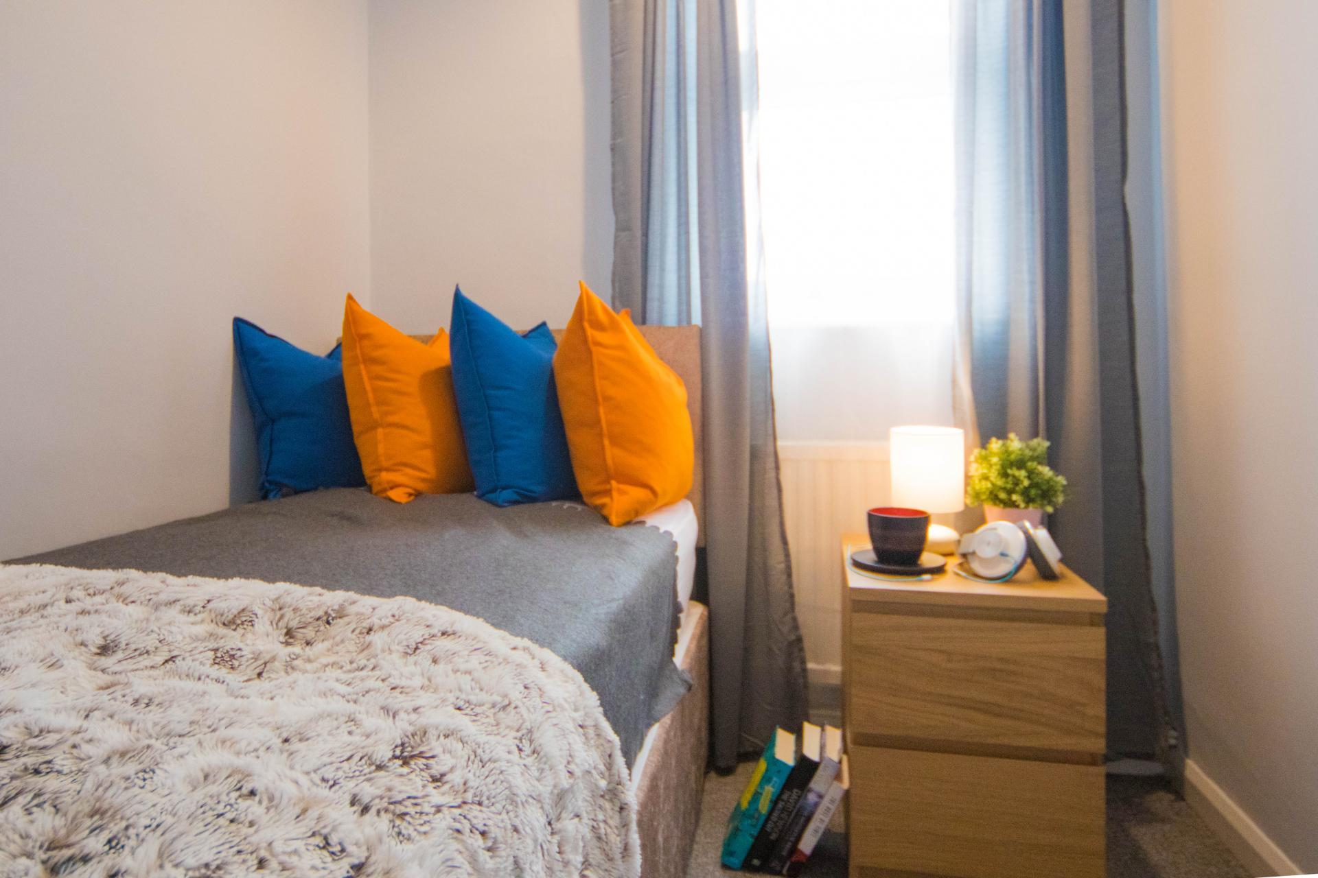 Single bed at Limpenny House, Radford, Nottingham - Citybase Apartments