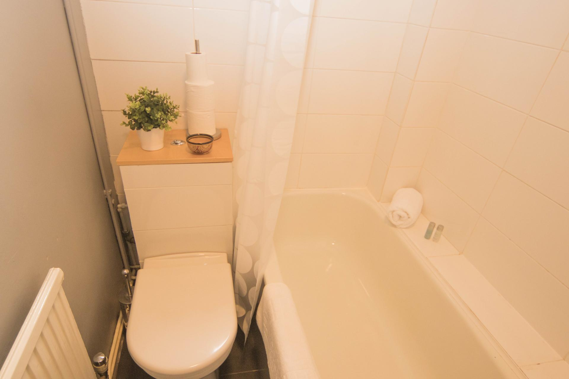 WC at Limpenny House, Radford, Nottingham - Citybase Apartments