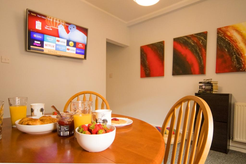 TV at Radford House, Radford, Nottingham - Citybase Apartments