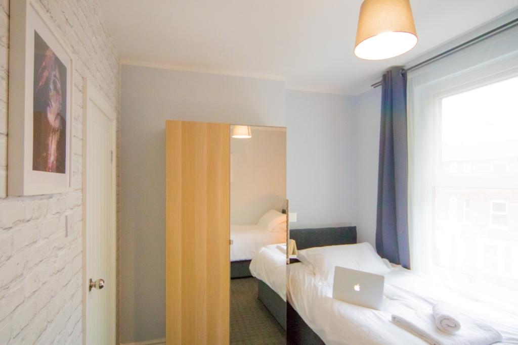 Single bed at Radford House, Radford, Nottingham - Citybase Apartments