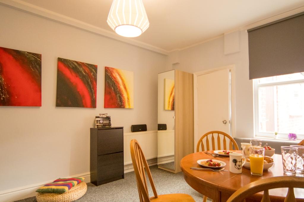 Dining area at Radford House, Radford, Nottingham - Citybase Apartments