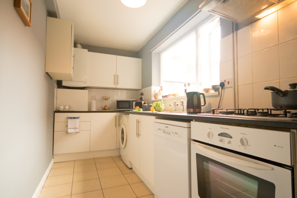 Spacious kitchen at Radford House, Radford, Nottingham - Citybase Apartments