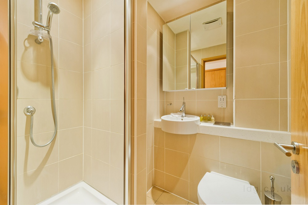 Shower at Alfred Place Apartments, Fitzrovia, London - Citybase Apartments