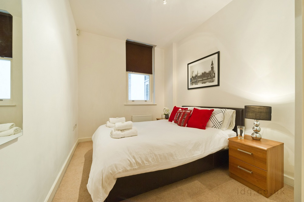 Bed at Alfred Place Apartments, Fitzrovia, London - Citybase Apartments