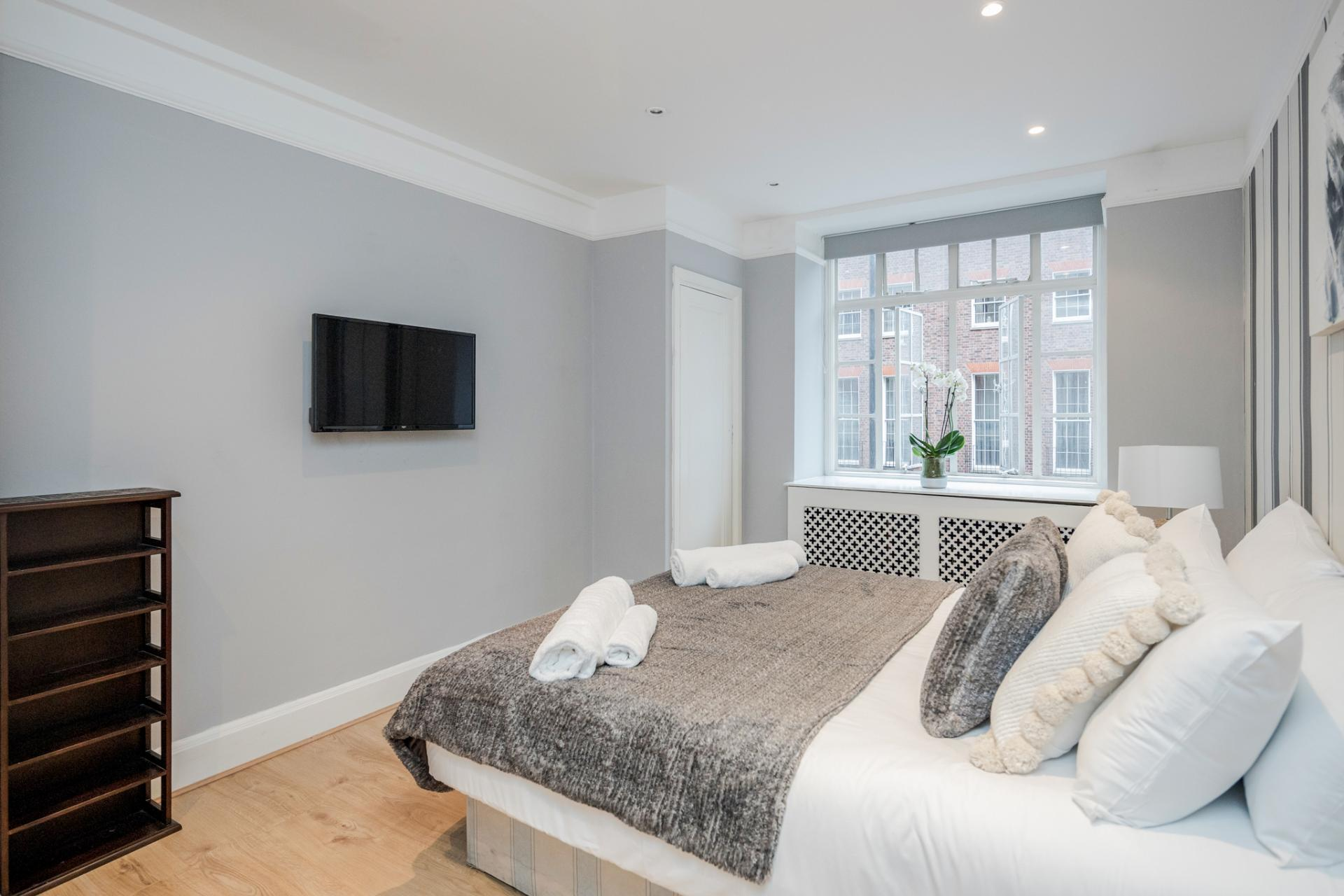 Bright bedroom at Marylebone Luxury Apartments, Marylebone, London - Citybase Apartments