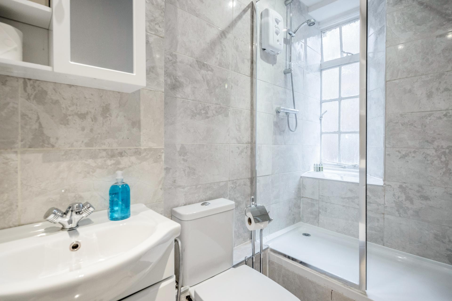 Bathroom at Marylebone Luxury Apartments, Marylebone, London - Citybase Apartments