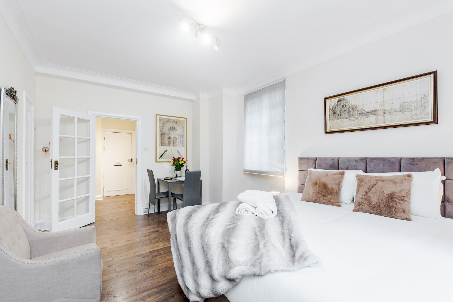 Bedspread at  Marylebone Luxury Apartments, Marylebone, London - Citybase Apartments