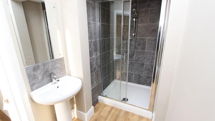 Shower at Lower Park Apartments, Brandon, Bristol - Citybase Apartments