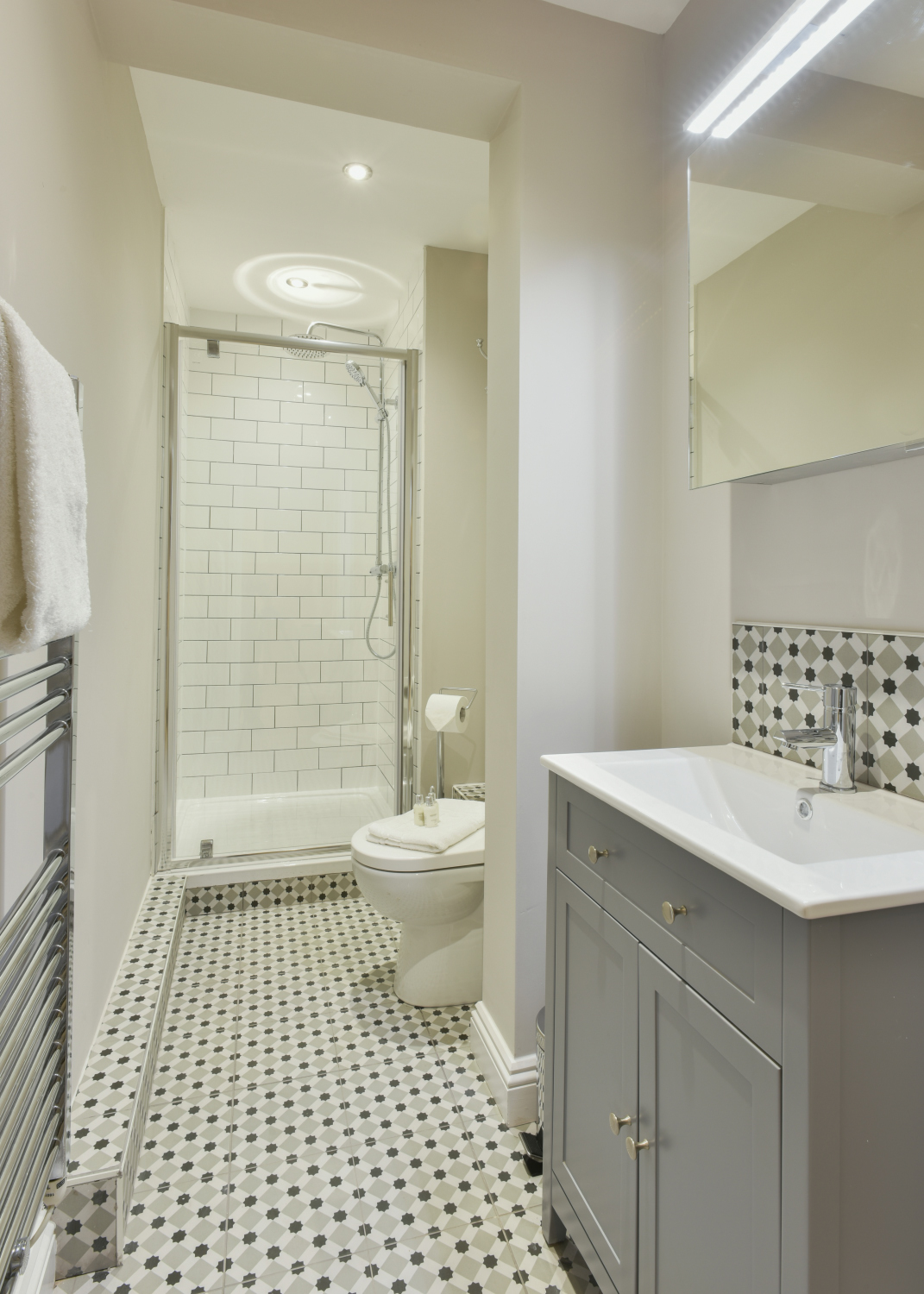 Bathroom at Meridian Suites, Brandon, Bristol - Citybase Apartments