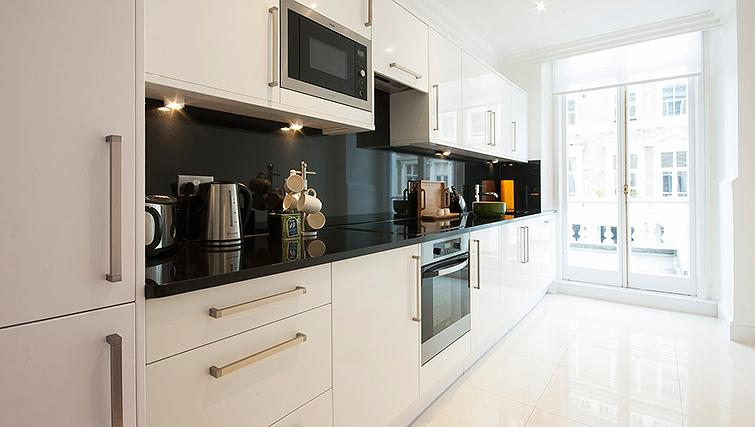 Excellent kitchen in Manson Place Apartments - Citybase Apartments