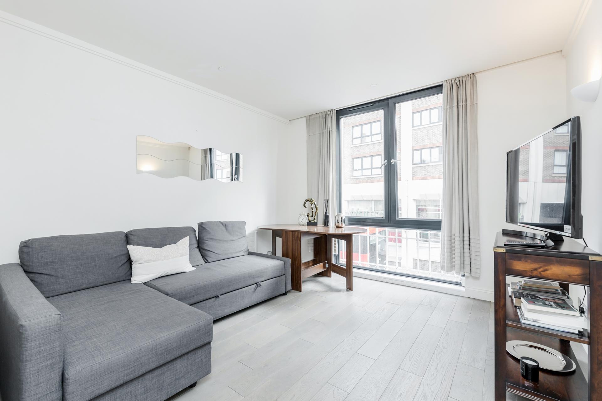 Lounge at Earls Court Serviced Apartment, Kensington, London - Citybase Apartments