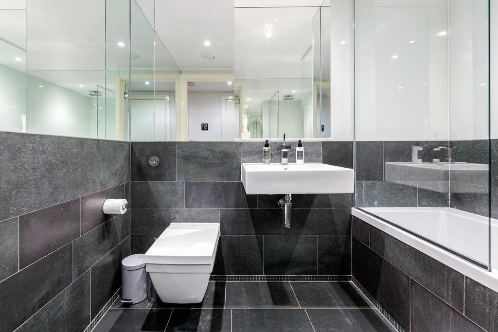 Bathroom at Chelsea Serviced Apartments, Chelsea, London - Citybase Apartments