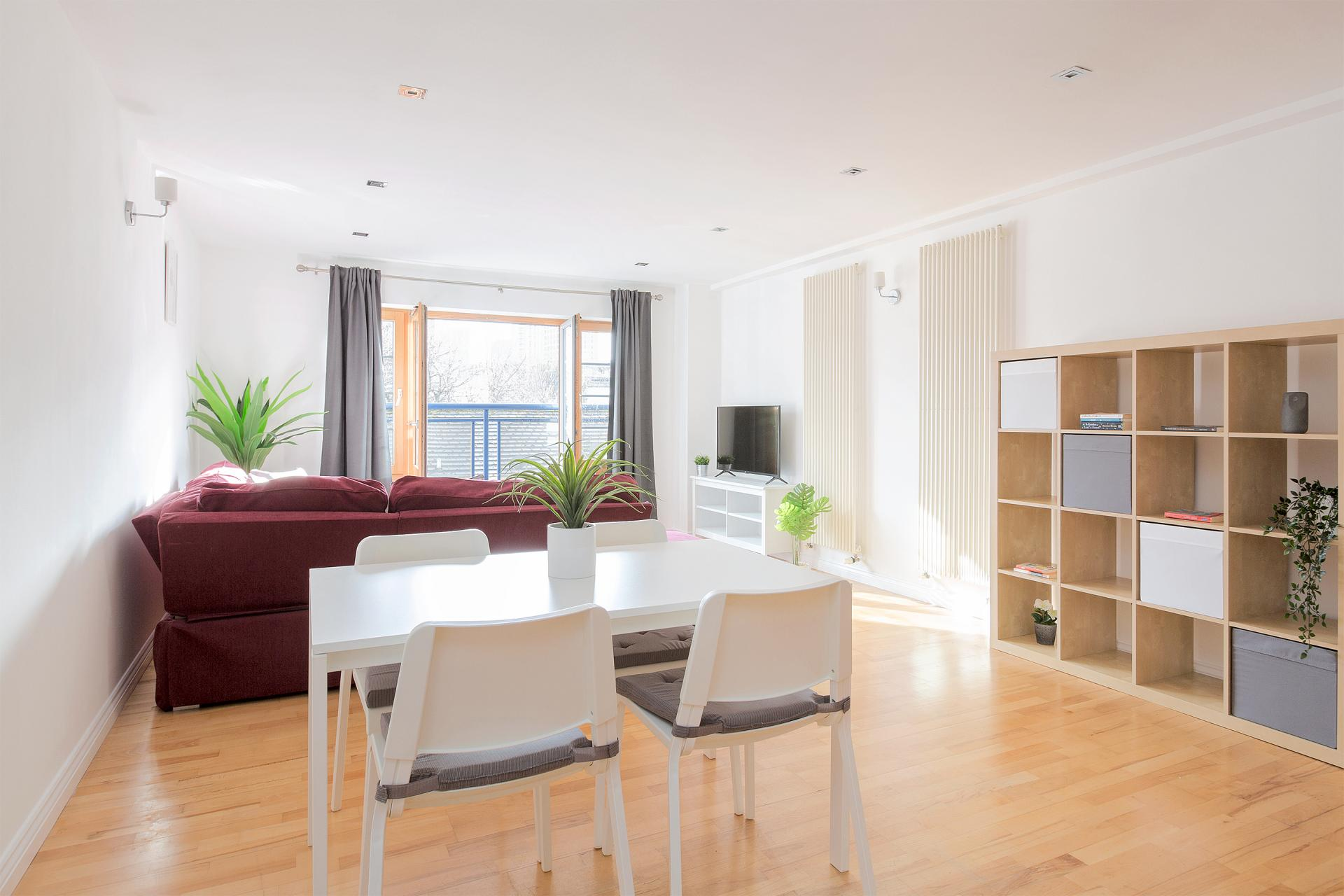 Dining area at Serenity Apartment, Whitechapel, London - Citybase Apartments