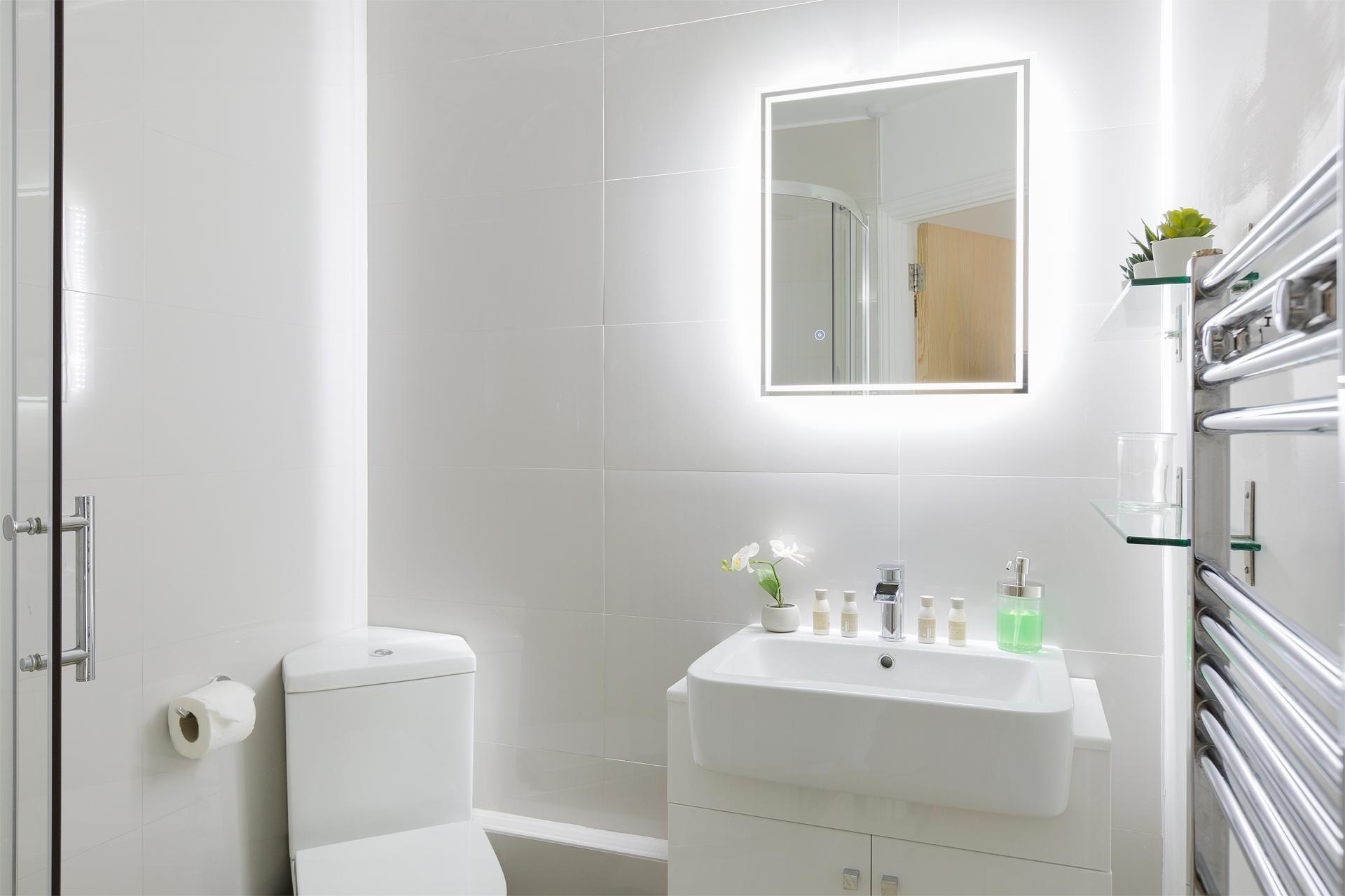 Toilet at Serenity Apartment, Whitechapel, London - Citybase Apartments