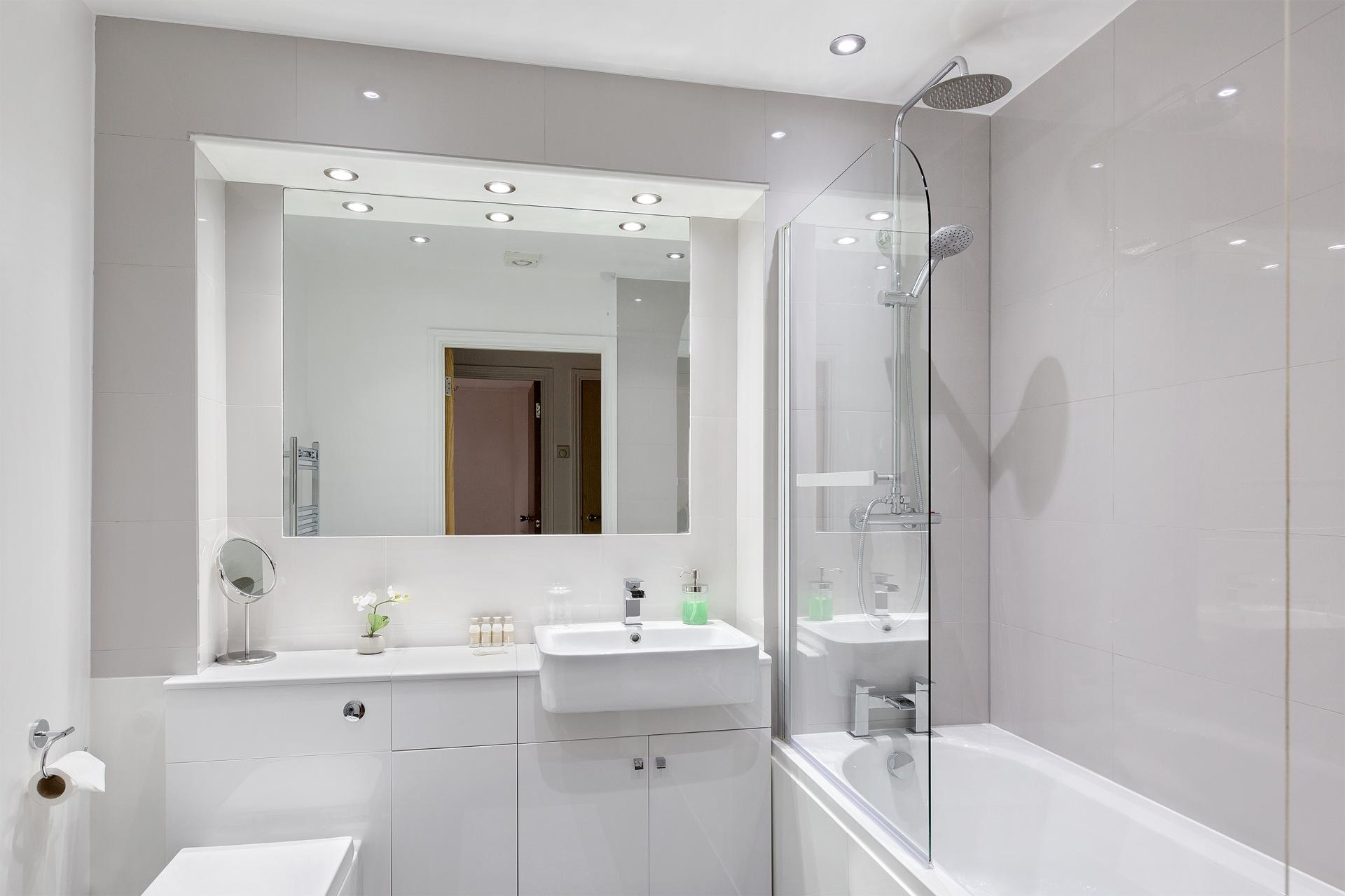 Bathroom at Serenity Apartment, Whitechapel, London - Citybase Apartments