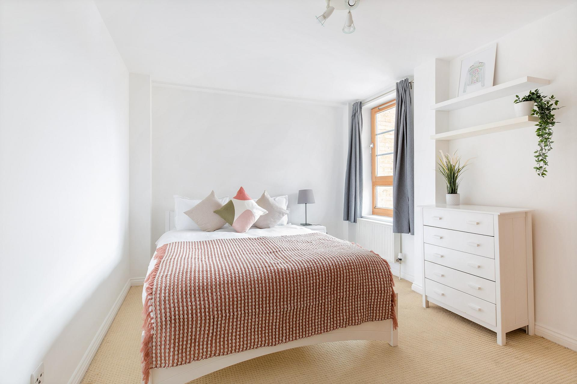 Bedroom at Serenity Apartment, Whitechapel, London - Citybase Apartments