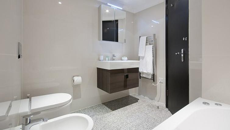 Bathroom in a 1 bed at Mayfair House Apartments - Citybase Apartments
