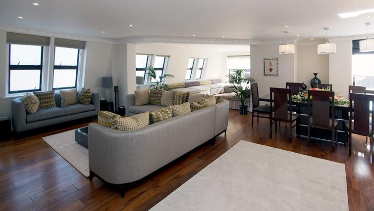Living area at Mayfair House Apartments - Citybase Apartments