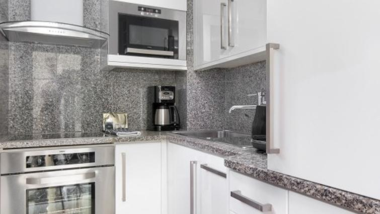 Kitchen in 2 bed at Mayfair House Apartments - Citybase Apartments