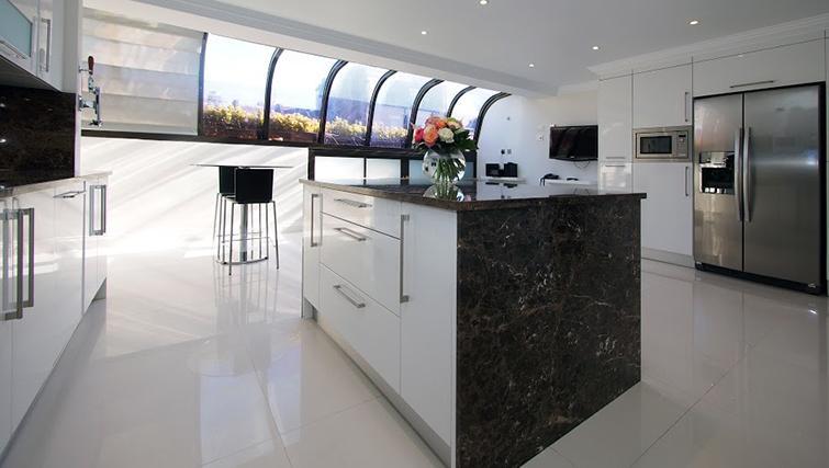 Kitchen at Mayfair House Apartments - Citybase Apartments