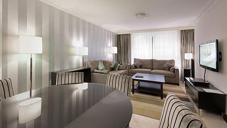 Living area in 3 bed at Mayfair House Apartments - Citybase Apartments