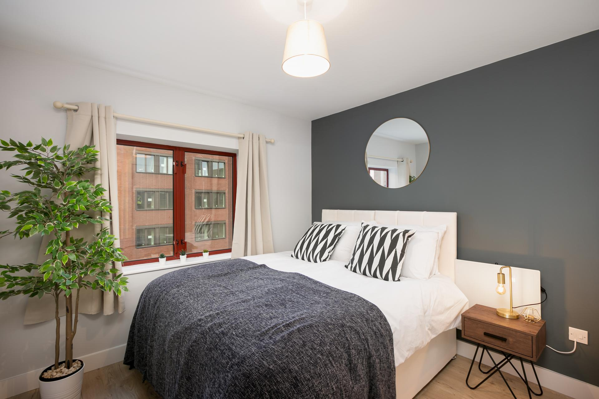 Bedroom at Wesley Gate Apartments, Centre, Reading - Citybase Apartments
