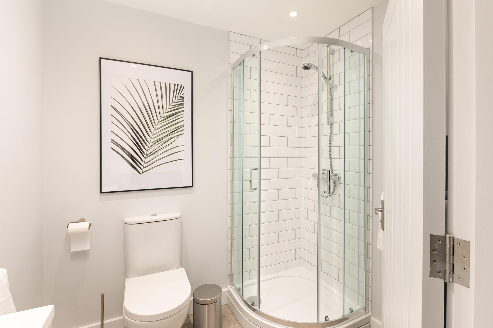 Bathroom at Wesley Gate Apartments, Centre, Reading - Citybase Apartments