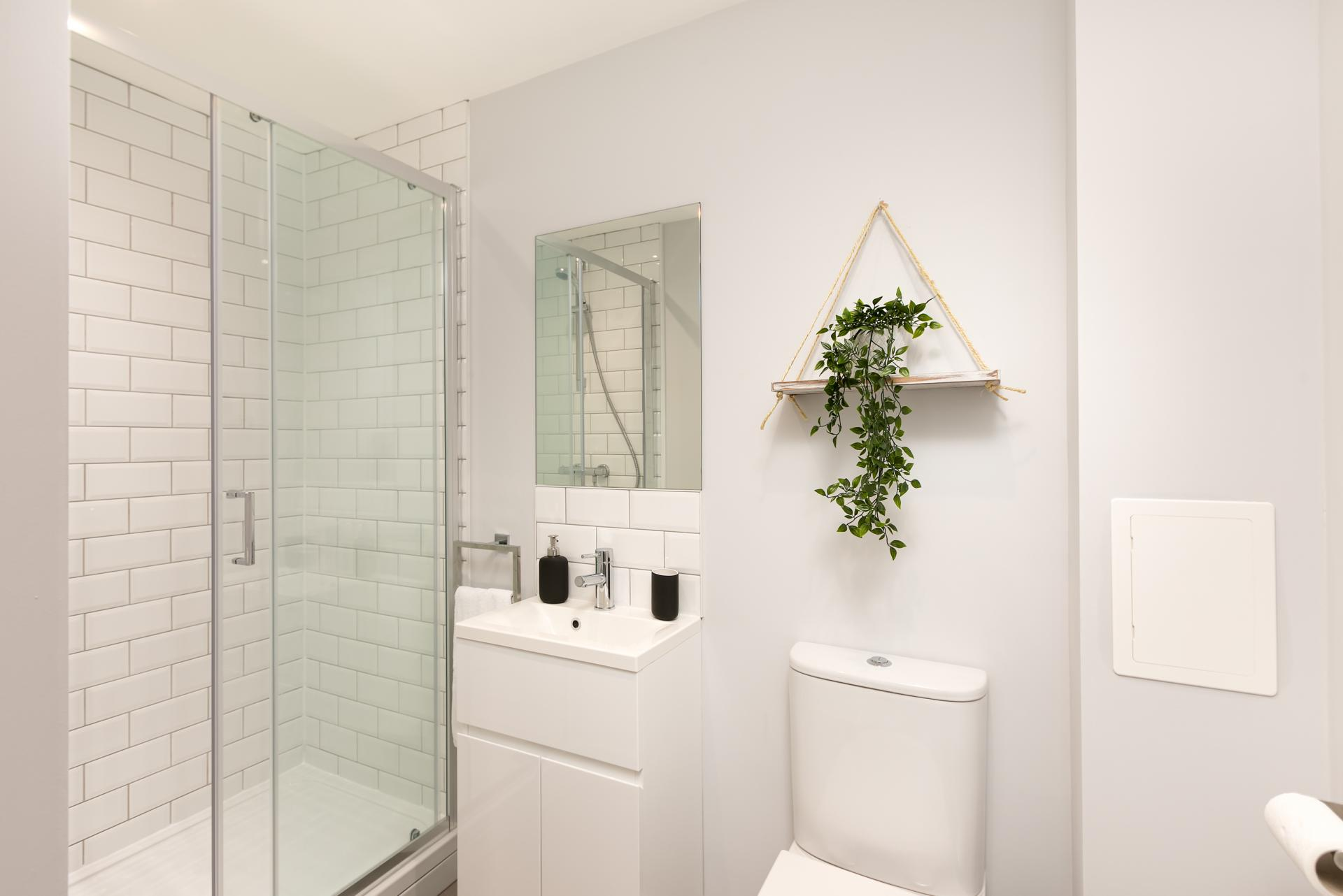 Shower at Wesley Gate Apartments, Centre, Reading - Citybase Apartments