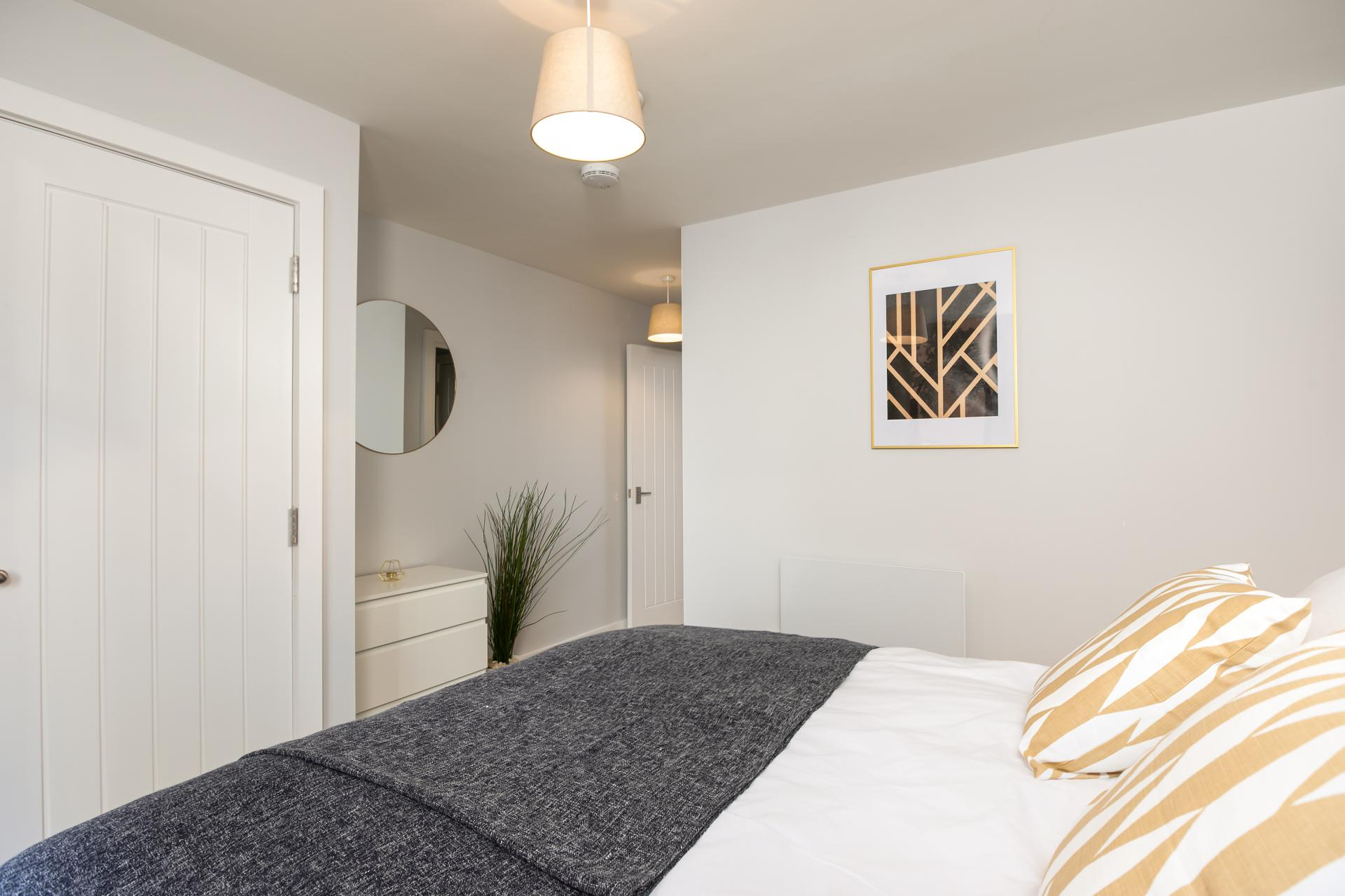 Spacious bedroom at Wesley Gate Apartments, Centre, Reading - Citybase Apartments