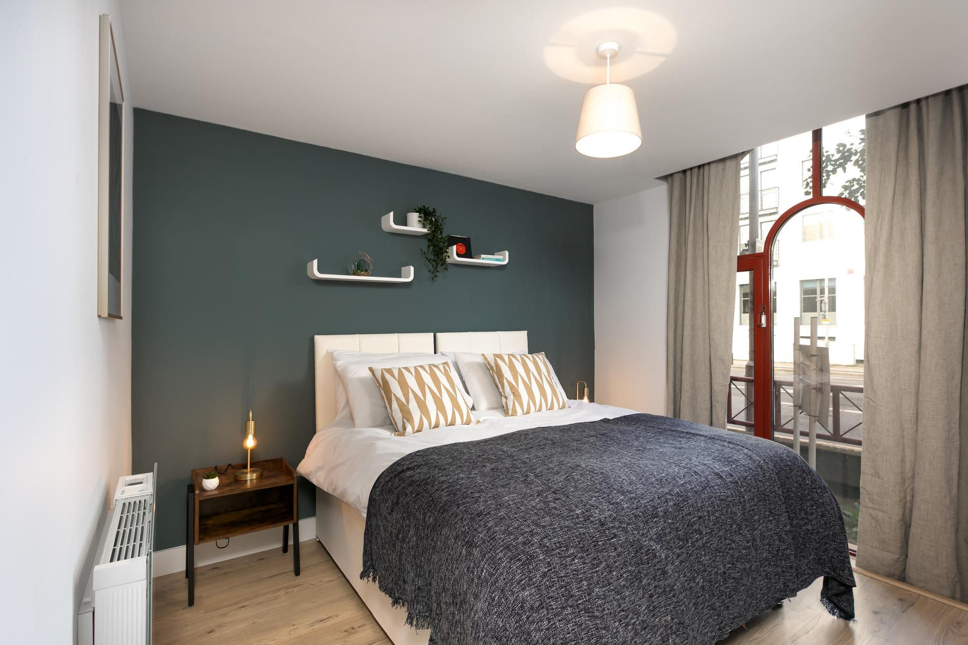 Cosy bed at Wesley Gate Apartments, Centre, Reading - Citybase Apartments
