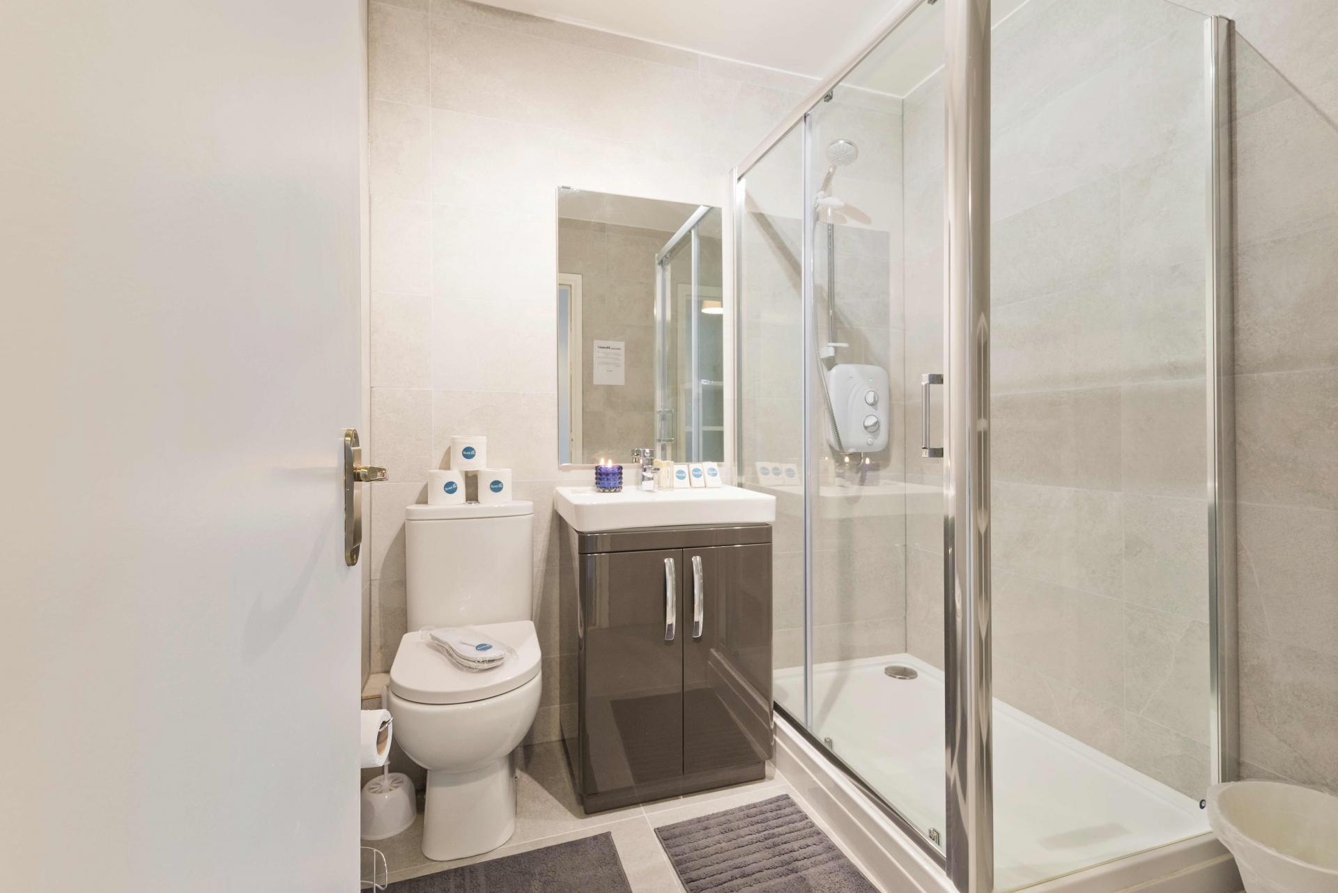 Bathroom at Crow Street Apartment, Temple Bar, Dublin - Citybase Apartments