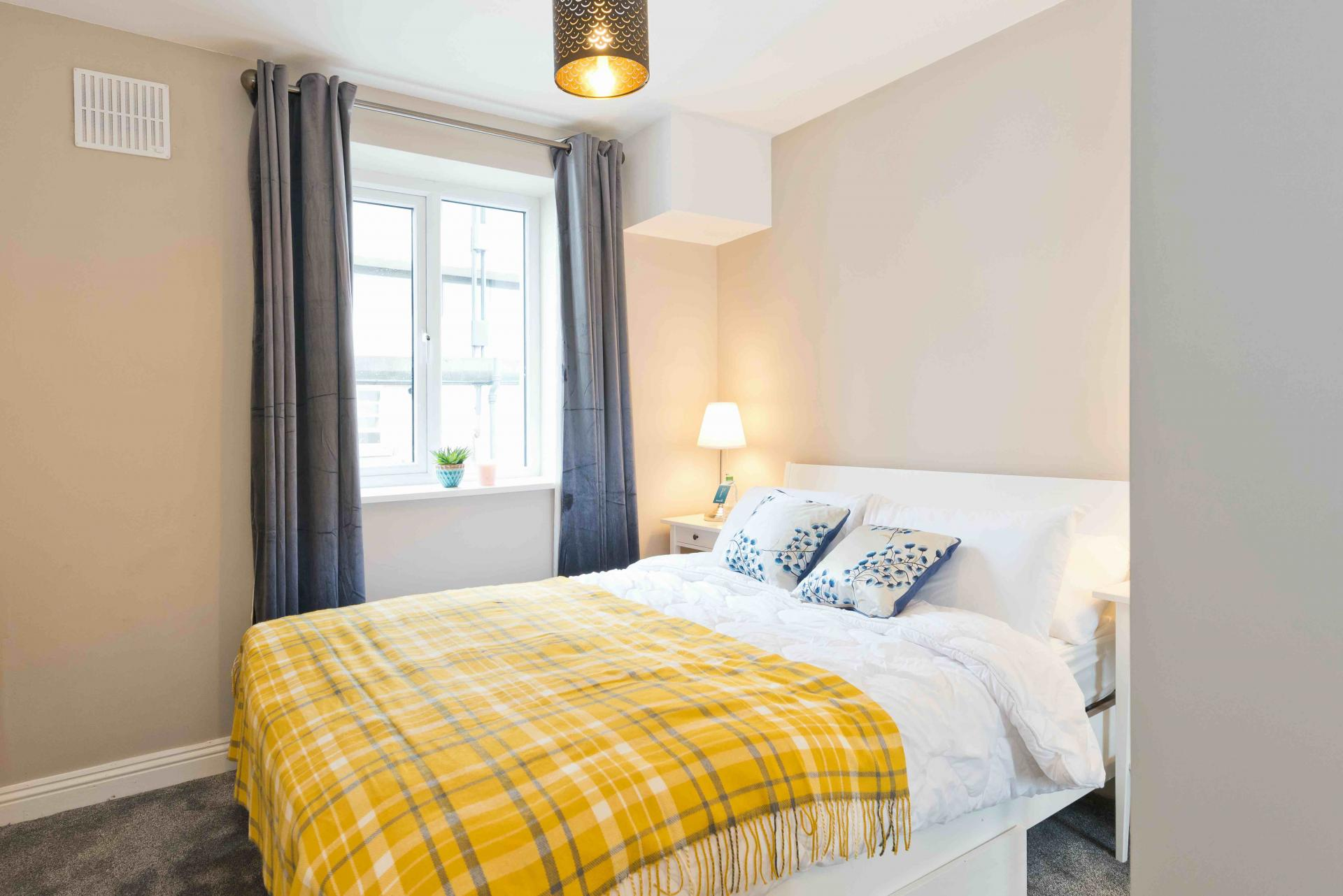 Bed at Crow Street Apartment, Temple Bar, Dublin - Citybase Apartments