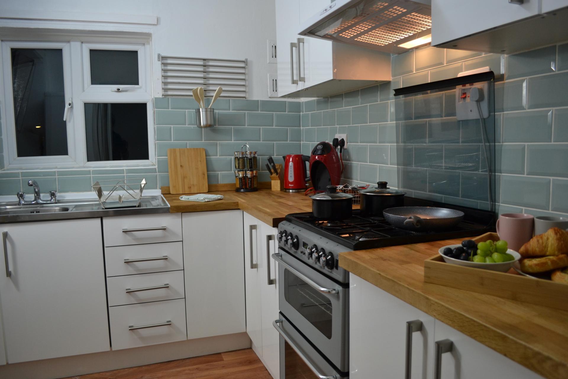 Kitchen at Kendal Way Home, Chesterton, Cambridge - Citybase Apartments