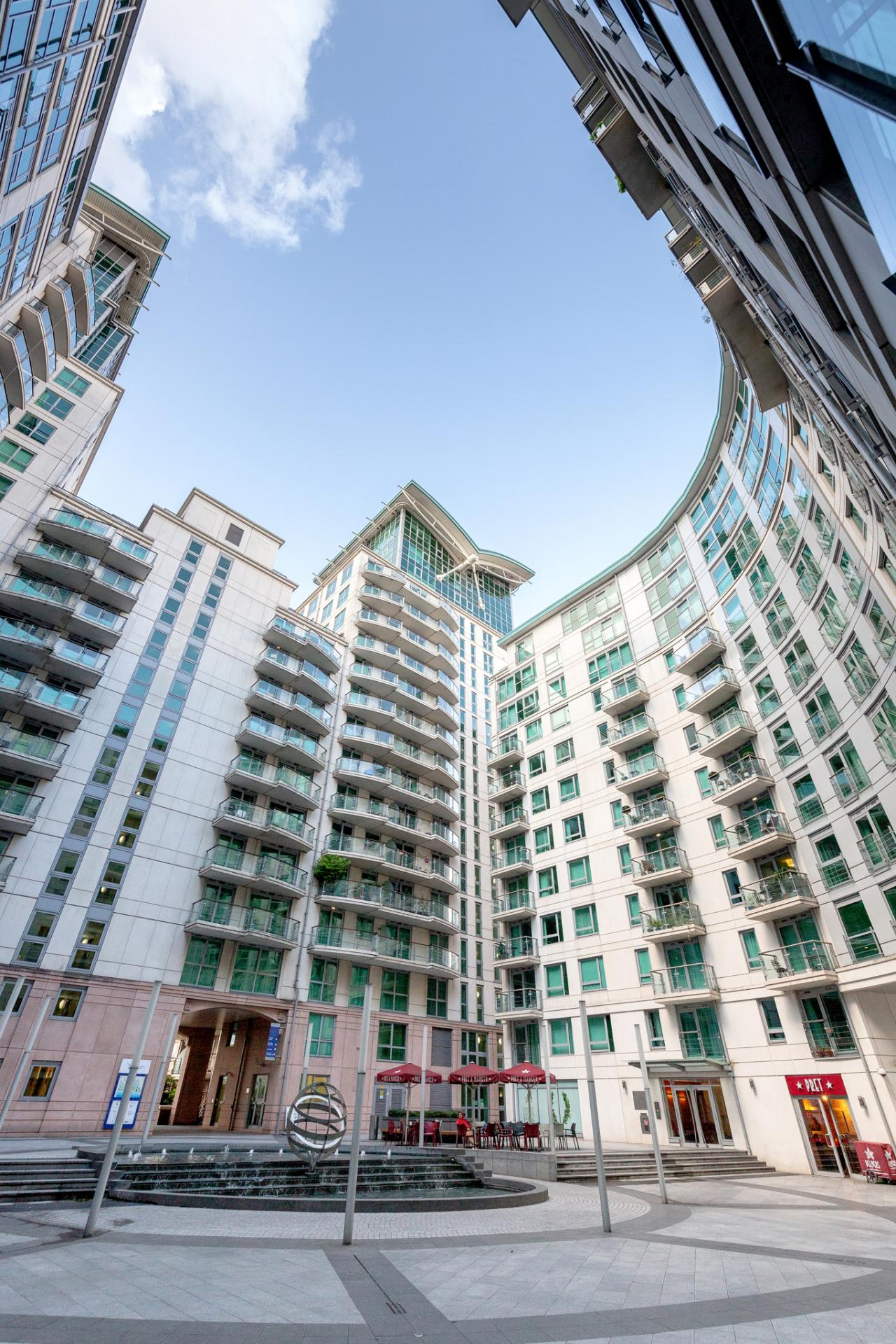 Building of St Georges Wharf Apartment, Vauxhall, London - Citybase Apartments