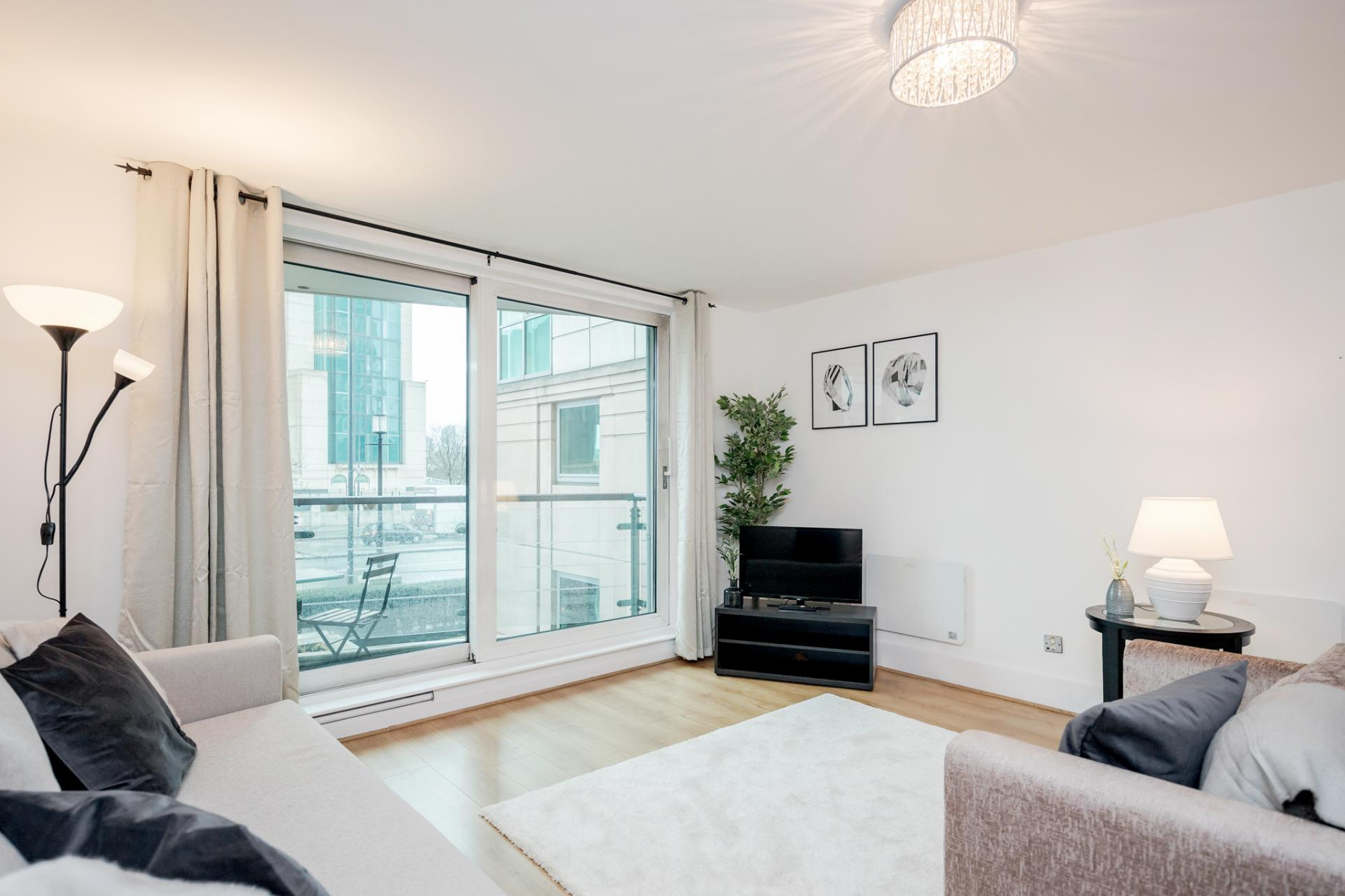 TV at St Georges Wharf Apartment, Vauxhall, London - Citybase Apartments