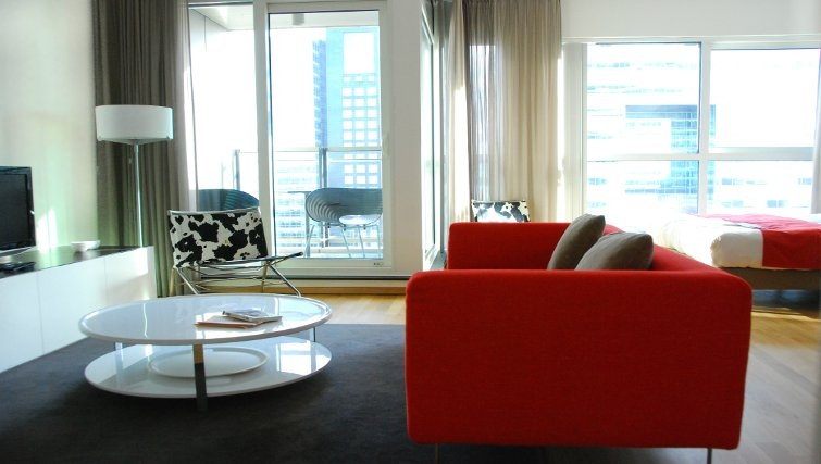 Open plan living area at Mahlerlaan Apartments, Amsterdam - Citybase Apartments