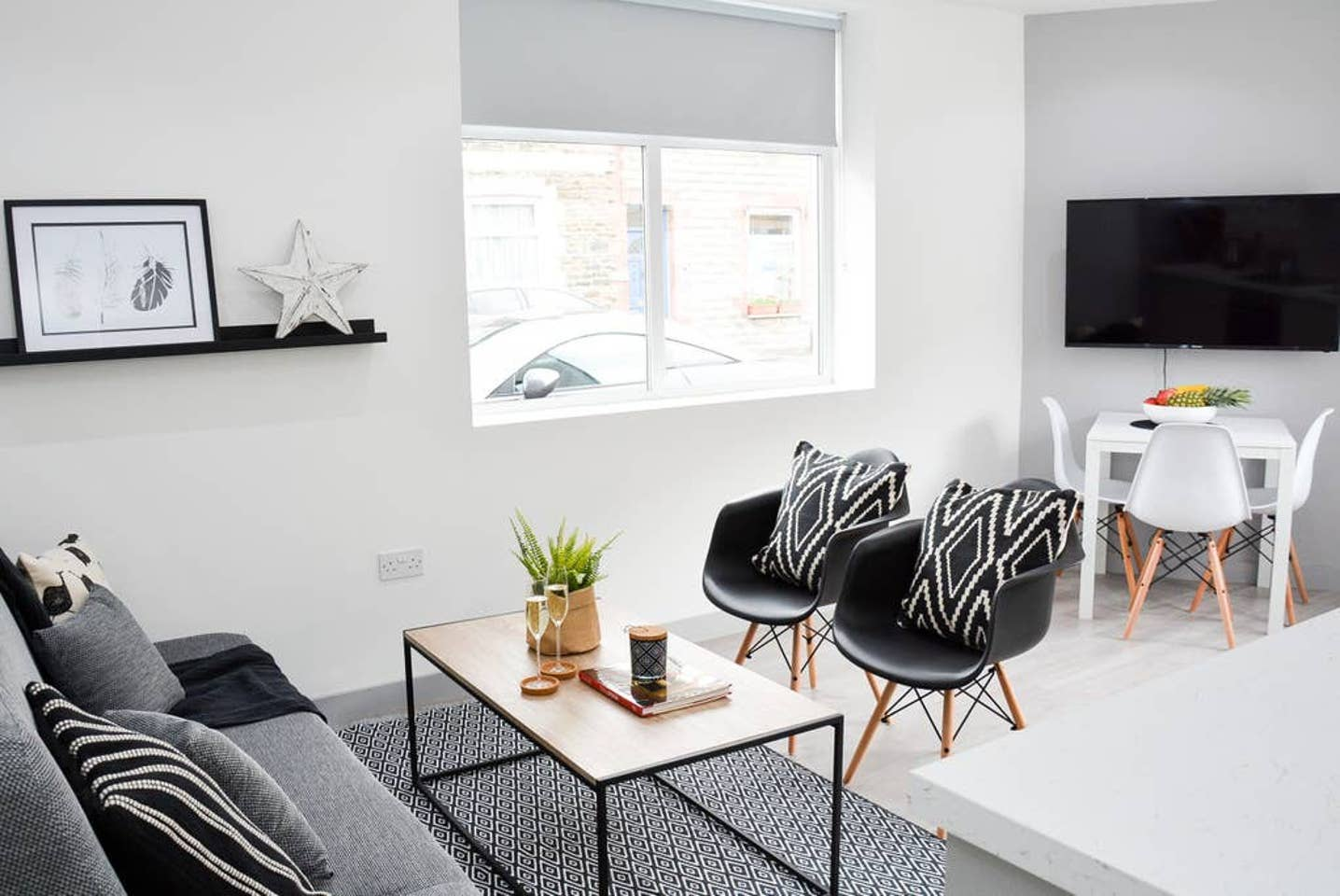 Lounge at Pearl House Serviced Apartments, Roath, Cardiff - Citybase Apartments