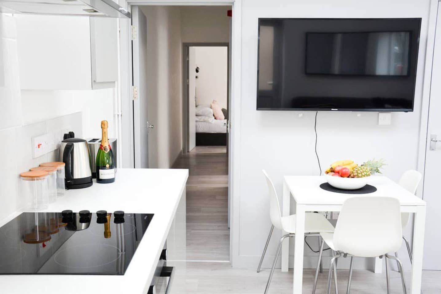 Hob at Pearl House Serviced Apartments, Roath, Cardiff - Citybase Apartments