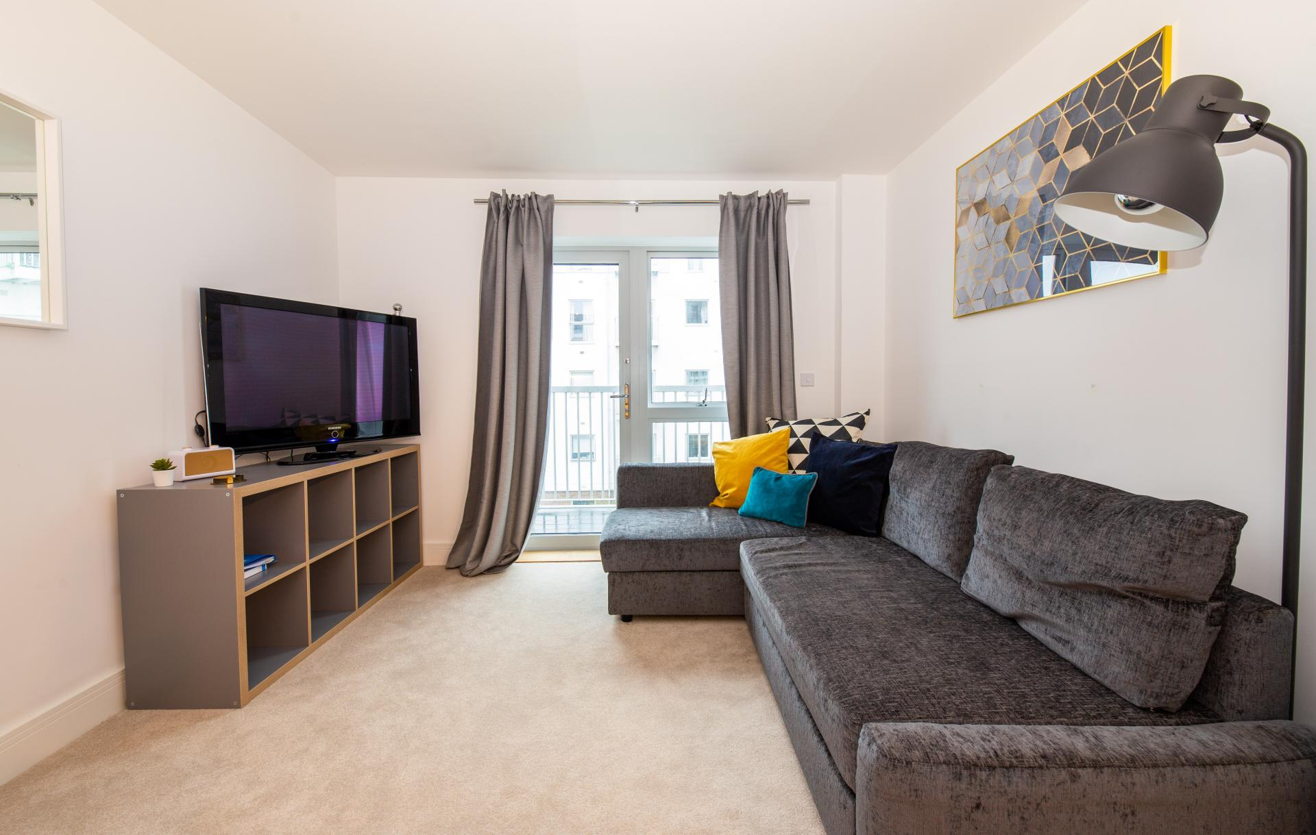 Large TV at Austen House, Centre, Guildford - Citybase Apartments