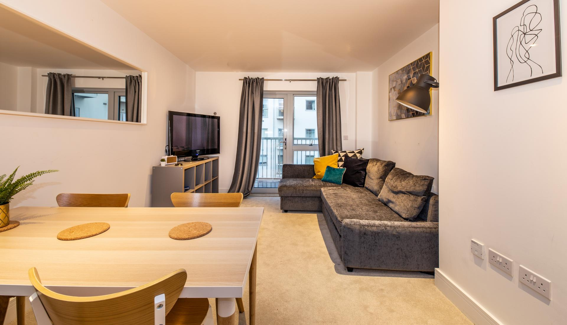Open-plan at Austen House, Centre, Guildford - Citybase Apartments