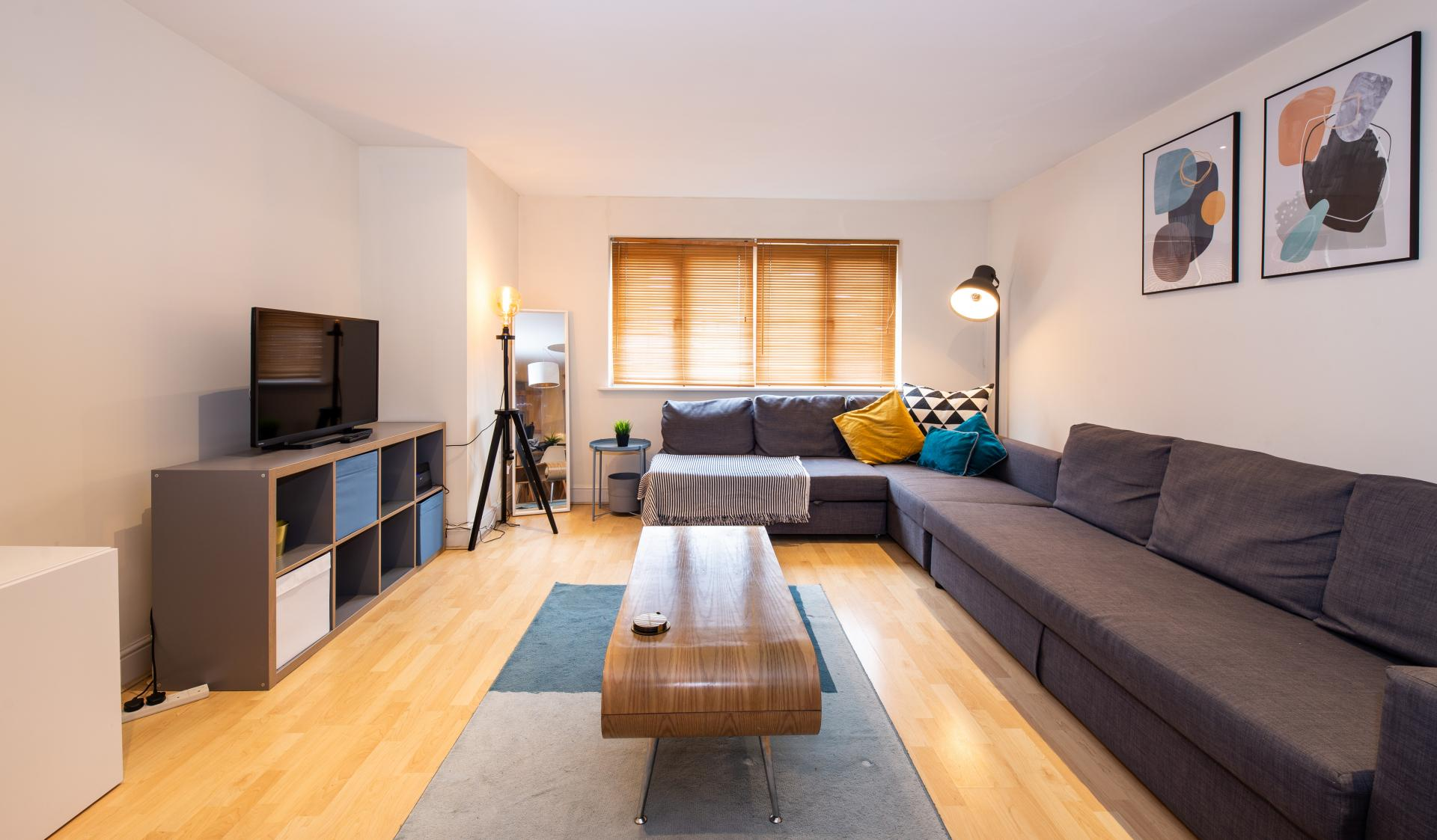 Living / Dining area at Guildown Court Apartment, Centre, Guildford - Citybase Apartments