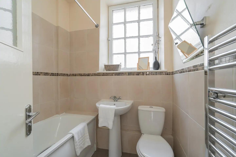 Bathroom at Royal Mile New Street Apartment, Centre, Edinburgh - Citybase Apartments