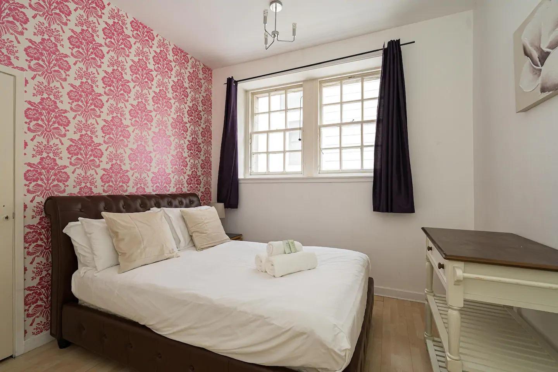 Bedroom at Royal Mile New Street Apartment, Centre, Edinburgh - Citybase Apartments