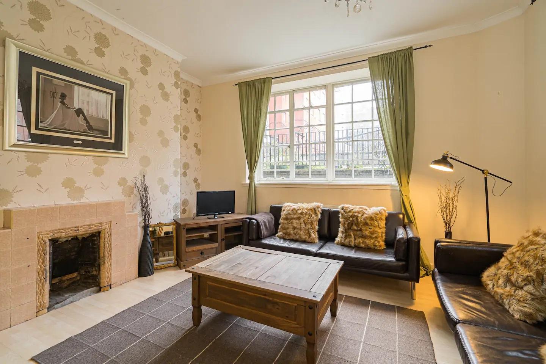 Fireplace at Royal Mile New Street Apartment, Centre, Edinburgh - Citybase Apartments