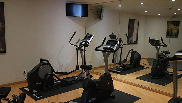 On-site fitness centre at B-aparthotel Ambiorix - Citybase Apartments