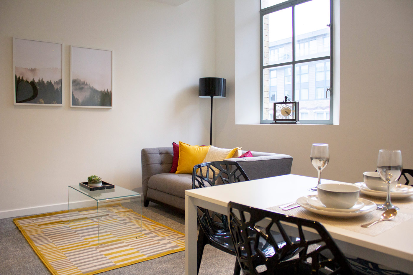 Living area at Colonial Chambers, Ropewalks, Liverpool - Citybase Apartments