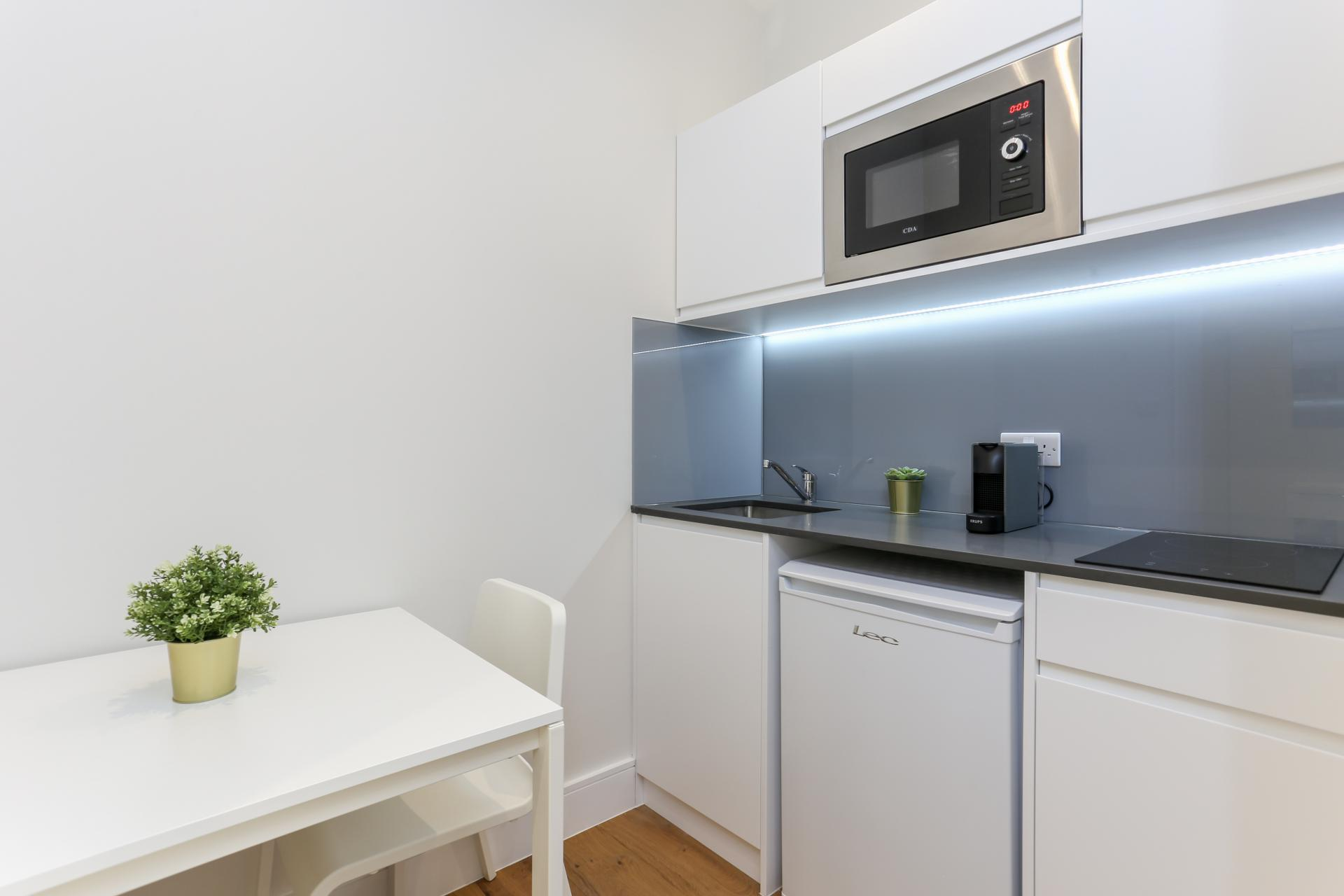 Kitchen at Queensborough Terrace, Bayswater, London - Citybase Apartments