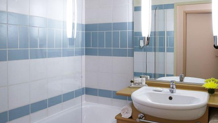 Bathroom in Citadines Bastille Gare de Lyon Apartments - Citybase Apartments