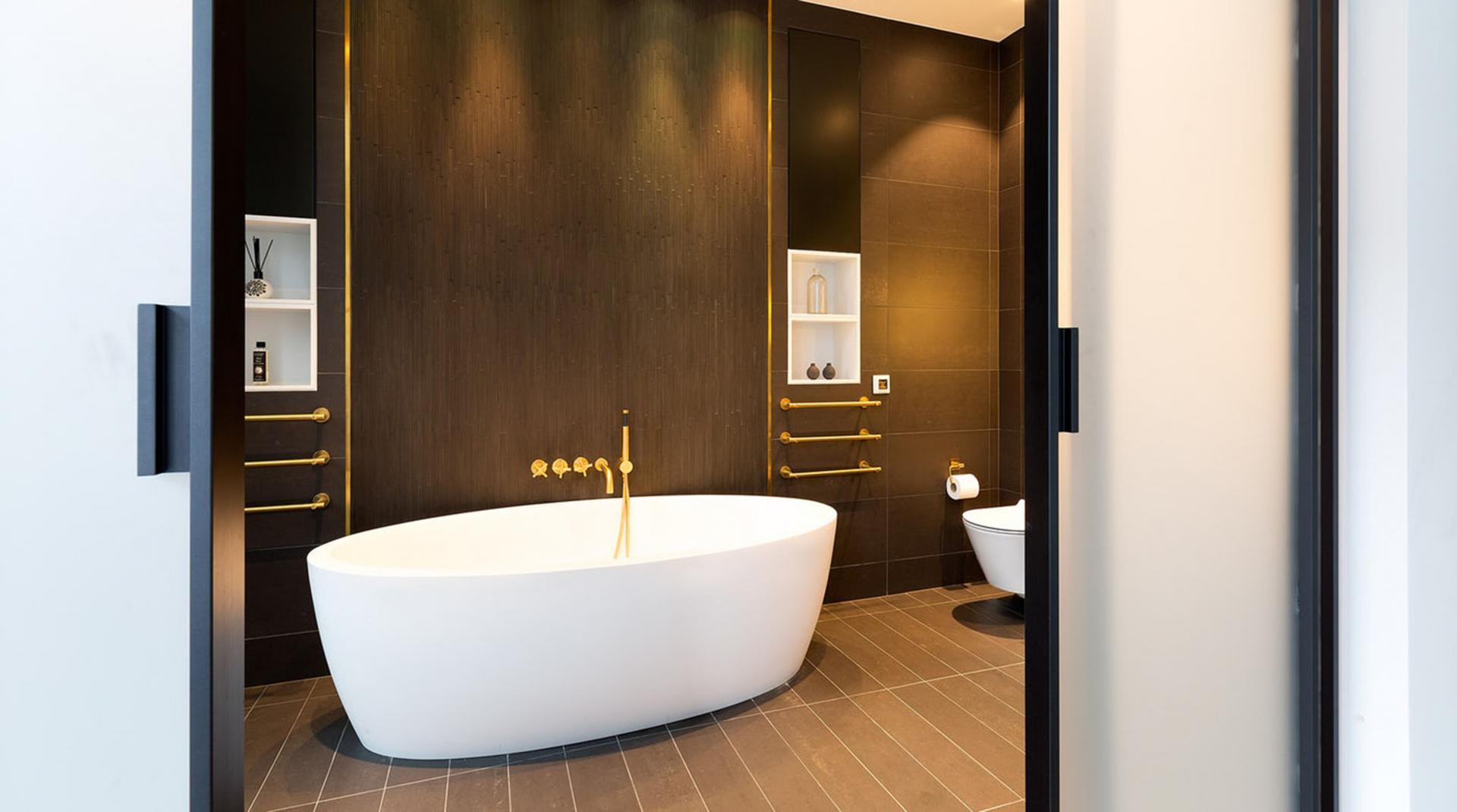 Bath at Royalty Mews, Carnaby, London - Citybase Apartments
